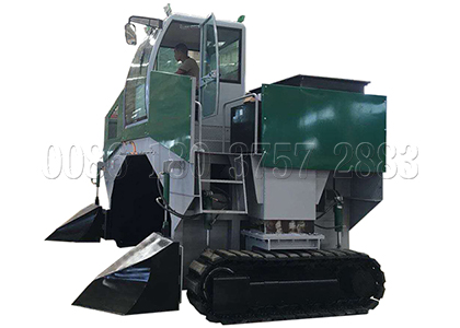 Windrow Compost Turner