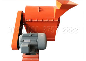 Semi-wet material crusher for organic waste composting