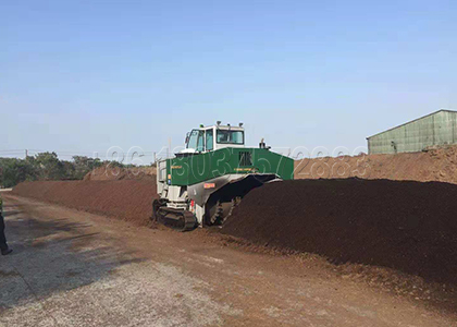 Hydraulic composting pile turner equipment for sale